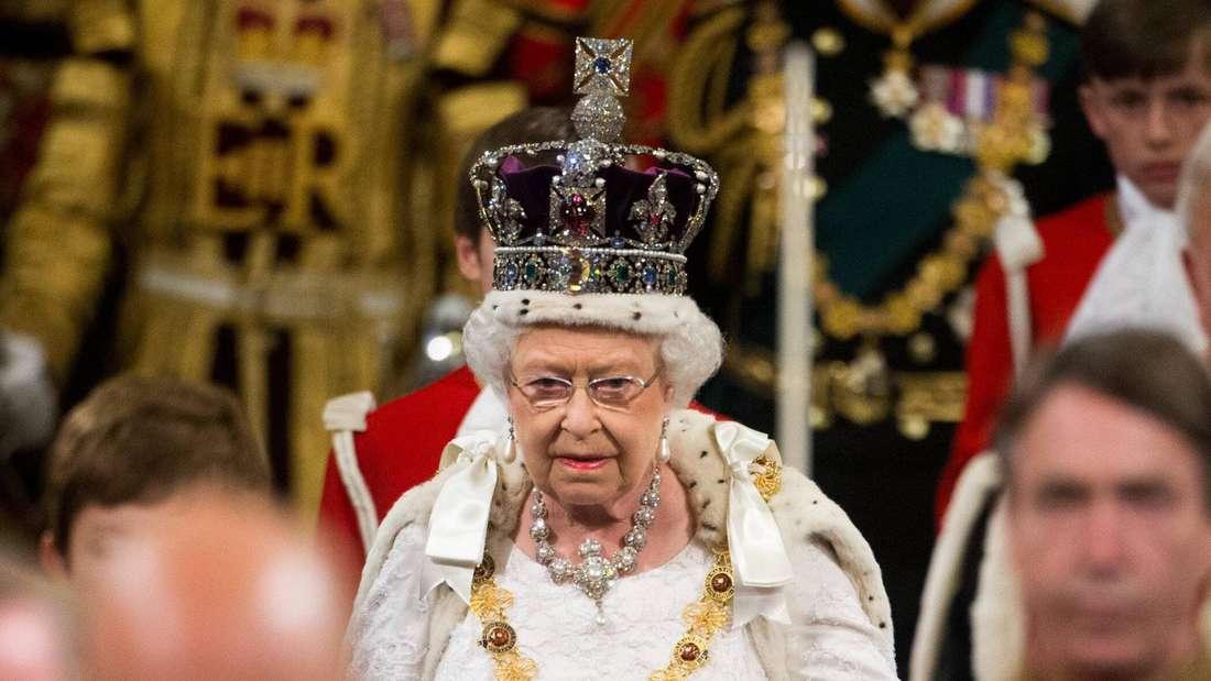 Queen Elizabeth II. bei der Parlamentseröffnung im Houses of Parliament