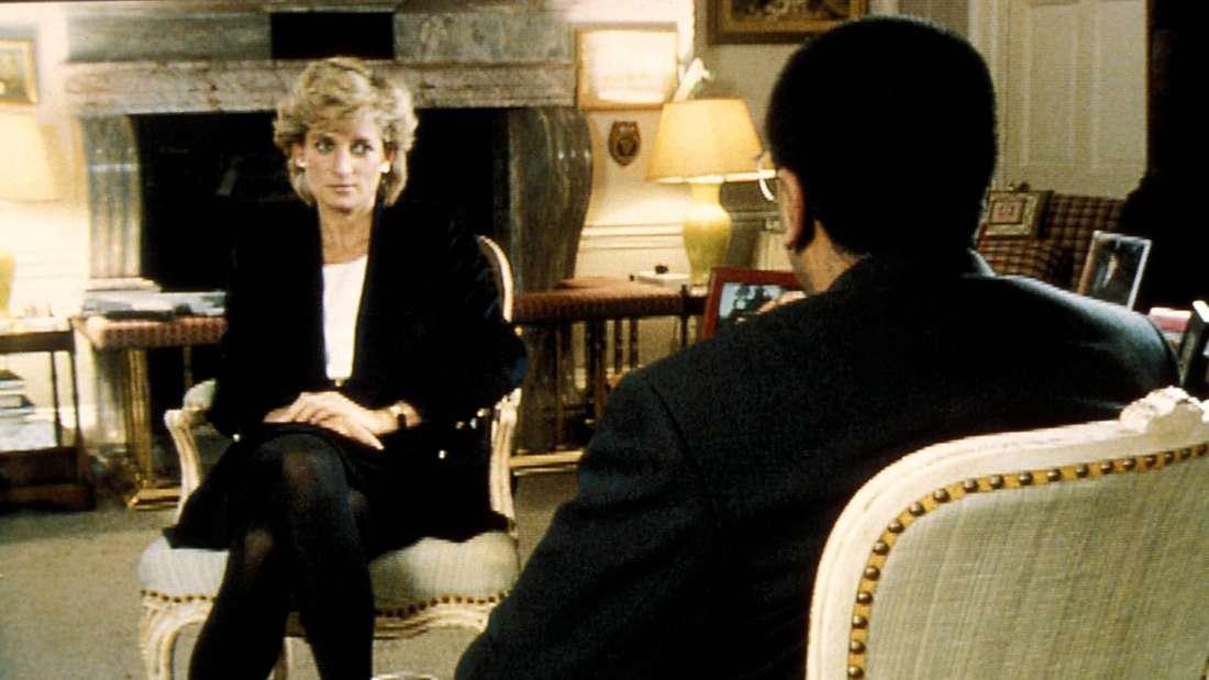 Prinzessin Diana sitzt Martin Bashir gegenüber.