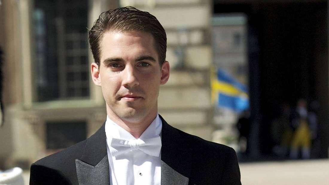 Prinz Philippos von Griechenland schaut ernst.