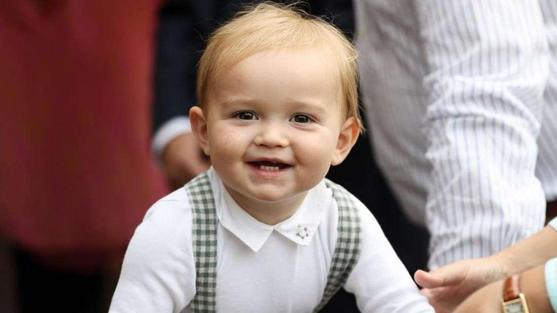 Prinz Charles von Luxemburg lächelt in die Kamera.